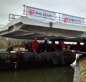 Successful installation of Meppelerdiep drawbridge