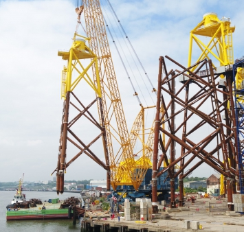 First Moray East jackets loaded onto barge